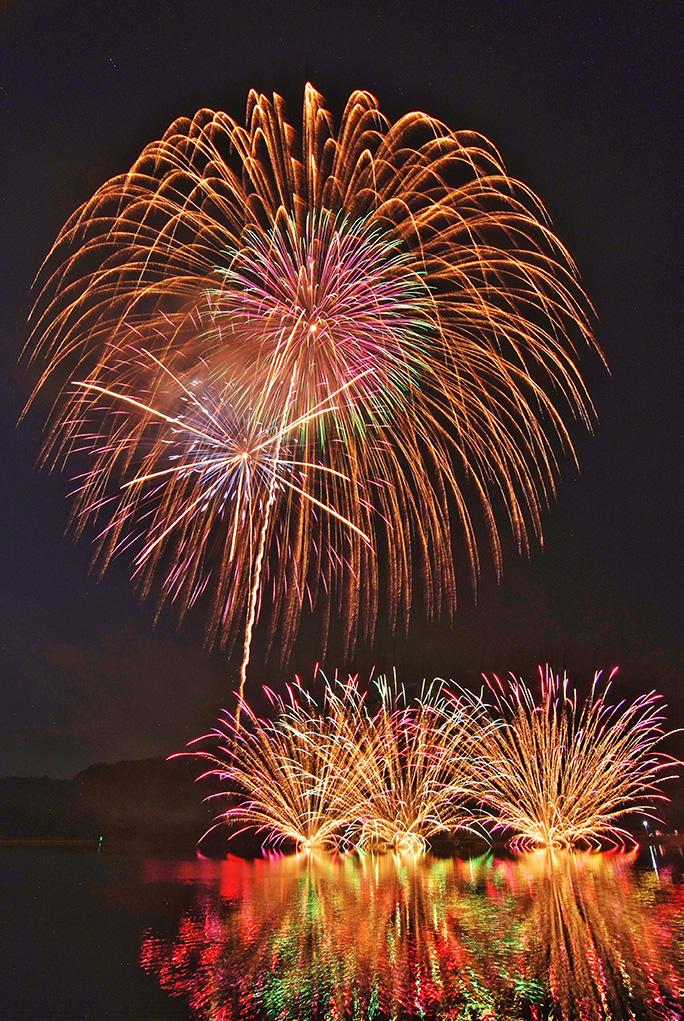 【終了いたしました】2019霊仙寺湖花火大会「天狗の火舞」<br>5月25日(土)開催!