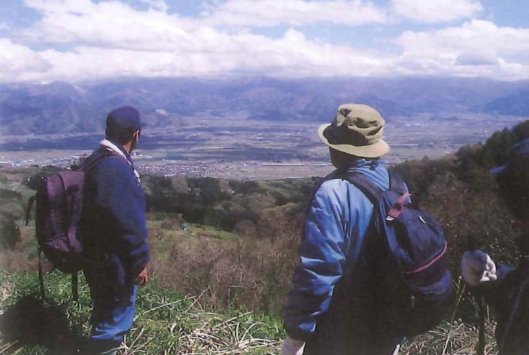 「髻山」善光寺を一望する城山